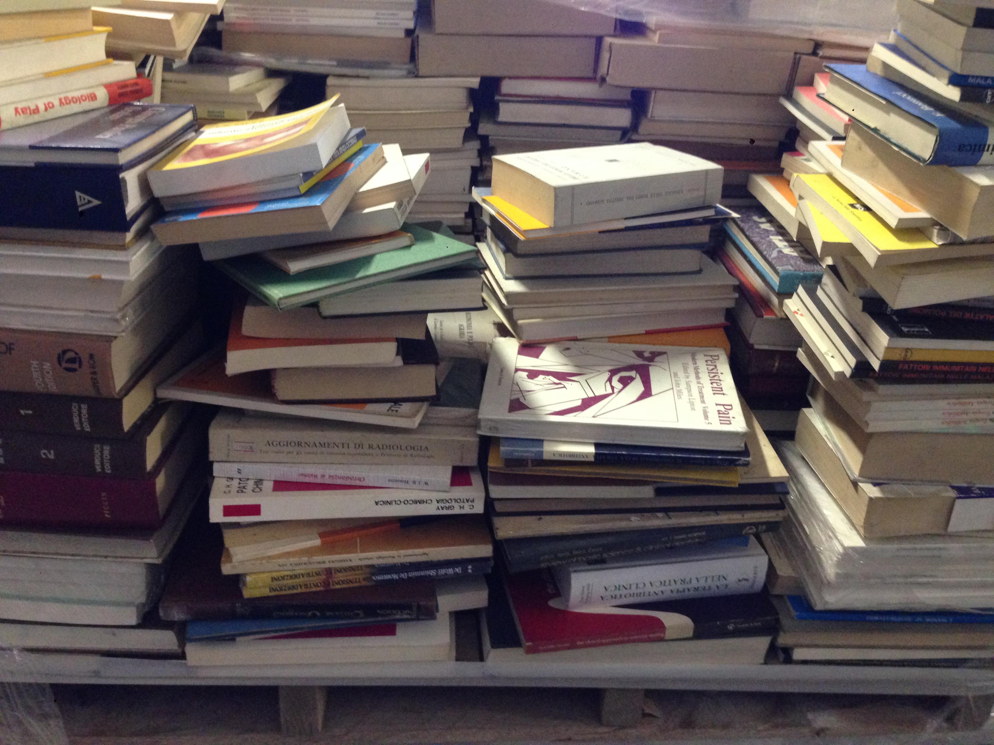 stock 1000 libri testi di medicina misti nuovi