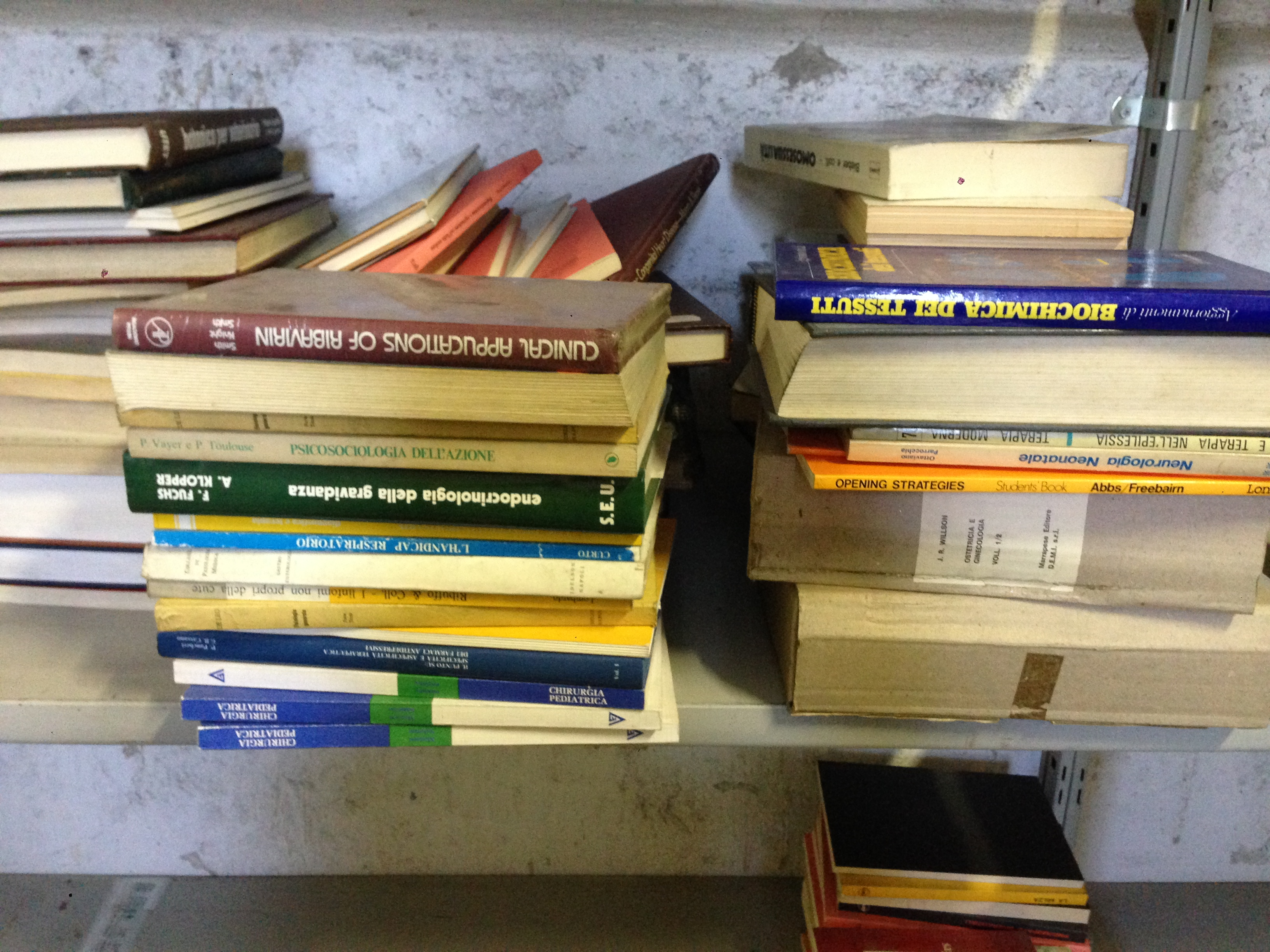 stock 5000 libri testi di medicina misti nuovi